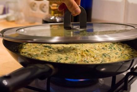 Omelette de pois chiches au pissenlit et plantain (végane)